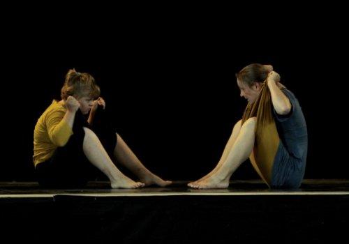 Bitte hinsetzen | Tanz-Performance mit neuen Perspektiven